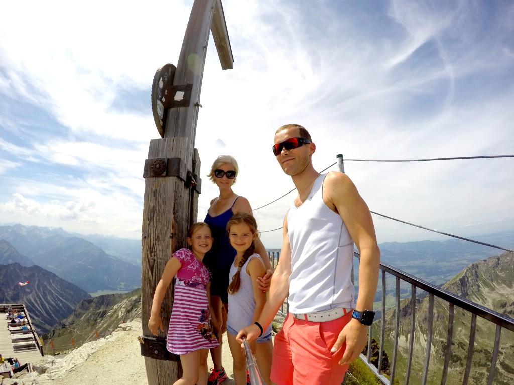 Hele familien på toppen av Nebelhorn. 2224 moh.