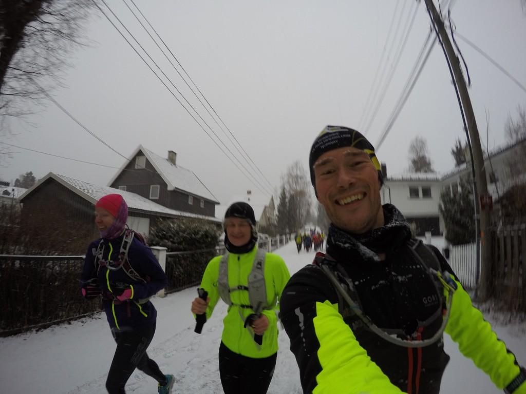 Karianne, Yvonne og meg på vei mot Löplabbet i Ski